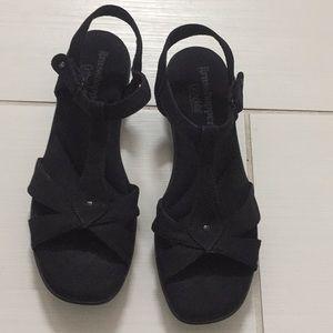 Women's black sandals. Size 8